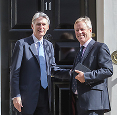 2016-07-18 Chancellor Hammond welcomes ARM-Soft Bank heads after £24 billion takeover