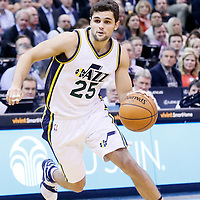 09 December 2015: Utah Jazz guard Raul Neto (25) dribbles during the Utah Jazz 106-85 victory over the New York Knicks, at the Vivint Smart Home Arena, Salt Lake City, Utah, USA.