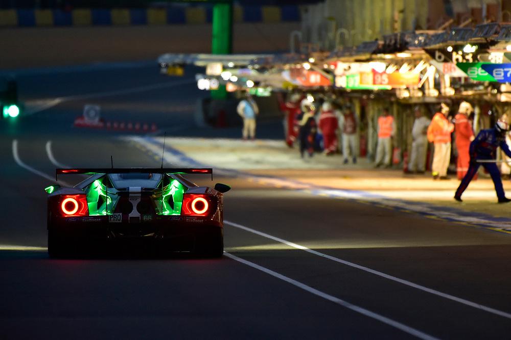 #66 Ford Chip Ganassi Racing Ford GT: Stefan Mücke, Olivier Pla, Billy Johnson, pit stop<br /> Sunday 17 June 2018<br /> 24 Hours of Le Mans<br /> 2018 24 Hours of Le Mans<br /> Circuit de la Sarthe  FR<br /> World Copyright: Scott R LePage