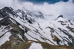 THEMENBILD - Wetterumschwung in der Hochalpinen Bergwelt . Die Hochalpenstrasse verbindet die beiden Bundeslaender Salzburg und Kaernten und ist als Erlebnisstrasse vorrangig von touristischer Bedeutung, aufgenommen am 11. Juni 2020 in Fusch a.d. Glstr., Österreich // Weather turnaround in the high alpine mountain world. The High Alpine Road connects the two provinces of Salzburg and Carinthia and is as an adventure road priority of tourist interest, Fusch a.d. Glstr., Austria on 2020/06/11. EXPA Pictures © 2020, PhotoCredit: EXPA/ JFK
