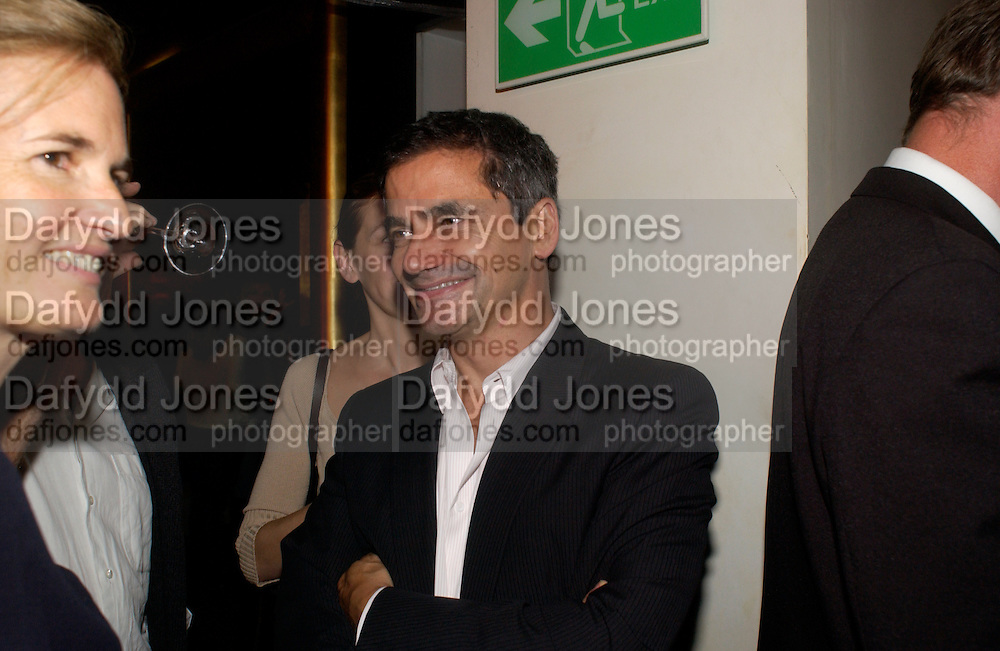 Harry Handlesman, Donna Karan Party to celebrate 20 Years  as a designer.  Showroom in New Bond St. 21 September 2004. DoSUPPLIED FOR ONE-TIME USE ONLY-DO NOT ARCHIVE. © Copyright Photograph by Dafydd Jones 66 Stockwell Park Rd. London SW9 0DA Tel 020 7733 0108 www.dafjones.com