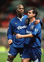 Fotball<br /> England<br /> Foto: Colorsport/Digitalsport<br /> NORWAY ONLY<br /> <br /> Chelsea historikk<br /> Michael Duberry and Steve Clarke (Chelsea) celebrate. Chelsea v Manchester United. 2/11/96.