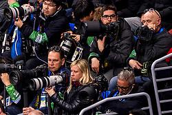 22-02-2018 KOR: Olympic Games day 13, PyeongChang<br /> Short Track Speedskating / Media fotograaf fotografen canon nikon Klaas Jan, Stephan