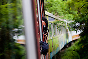 Curitiba_PR, Brasil...Viagem de trem que corta a Serra do Mar, ligando Curitiba a Morretes, cidade turistica da regiao, Parana...Train travel in Serra do Mar, between Curitiba and Morretes, touristic region, Parana...Foto: BRUNO MAGALHAES / NITRO