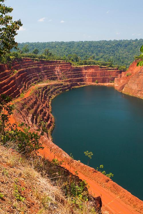 Parauapebas_PA, Brasil...Mineracao desativada na Floresta Nacional dos Carajas, Parauapebas, Para...Mining disabled in the National Forest of Carajas Parauapebas, Para...Foto: JOAO MARCOS ROSA / NITRO