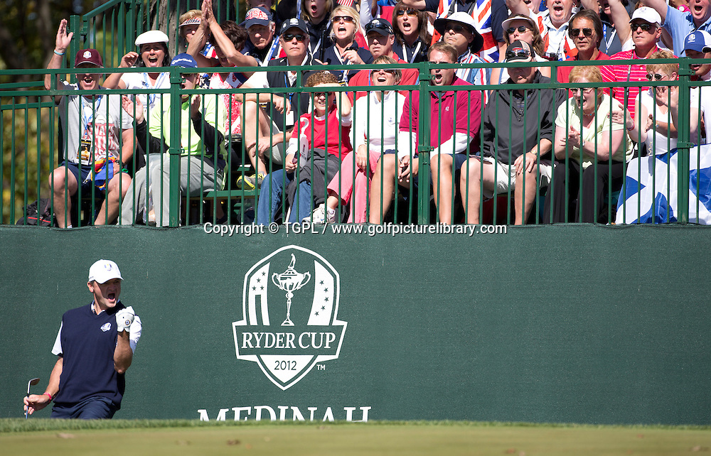 Paul LAWRIE (EUR) chips in during final day Singles,Ryder Cup Matches,Medinah CC,<br /> Medinah,Illinois,USA.