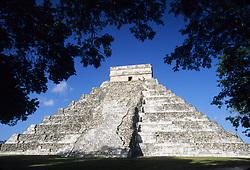 Mexico, Yucatan, Chichen Itza, El Castillo Pyramid, ruins of Mayan temple