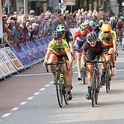 01-09-2017: Wielrennen: Boels Ladies Tour: Weert: Lisa Brennauer wint de 4e etappe van de Boels Ladies Tour voor Chloe Hosking en Roxane Fournier