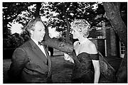 Graydon Carter and Diana Princess of Wales. Serpentine Gallery Gala. 1994. © Copyright Photograph by Dafydd Jones 66 Stockwell Park Rd. London SW9 0DA Tel 020 7733 0108 www.dafjones.com