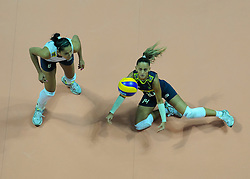 29-08-2010 VOLLEYBAL: WGP FINAL CHINA - BRAZIL: BEILUN NINGBO<br /> Brazil eased past China 25-12, 25-16, 25-15 / Fabiana de Oliveira and Jaqueline Carvalho<br /> ©2010-WWW.FOTOHOOGENDOORN.NL