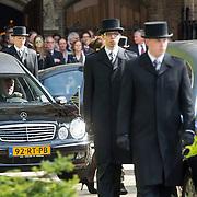 NLD/Laren/20140411 - Begrafenis slachtoffers familiedrama Schmittmann, 3 rouwauto's