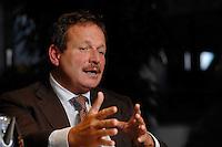 16 NOV 2006, BERLIN/GERMANY:<br /> Frank Bsirske, Vorsitzender der Gewerkschaft ver.di, Vereinte Dienstleistungsgewerkschaft, waehrend einem Interview, in seinem Buero, Ver.di Bundesverwaltung<br /> IMAGE: 20061116-01-057