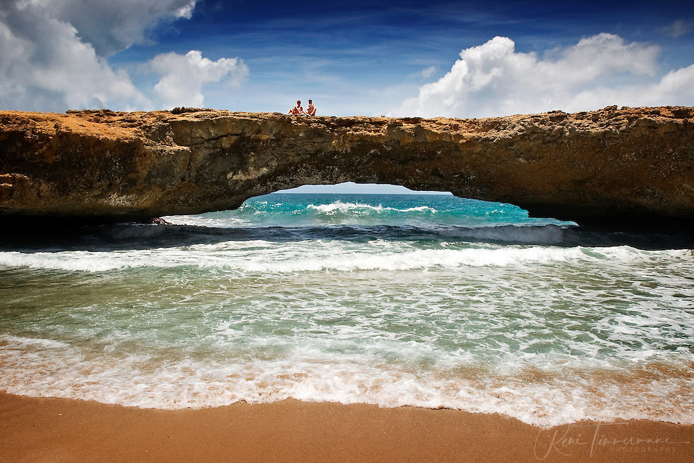 Aruba, also known as the Happy Island, is a fantastic place filled with sand, sea, sun and various colors.