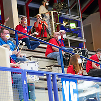 15.10.2020, Klingenhalle, Solingen,  GER, 1. HBL. Herren, Bergischer HC vs. HSG Wetzlar, <br /><br />im Bild / picture shows: <br />die Trommler auf der Tribuehne mit Mundschutz <br /><br /><br />Foto © nordphoto / Meuter