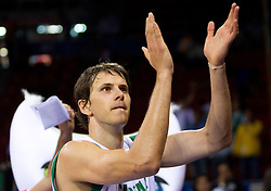 Bostjan Nachbar of Slovenia thanks to Slovenian fans after  the Preliminary Round - Group B basketball match between National teams of Slovenia and Iran at 2010 FIBA World Championships on September 2, 2010 at Abdi Ipekci Arena in Istanbul, Turkey. (Photo By Vid Ponikvar / Sportida.com)