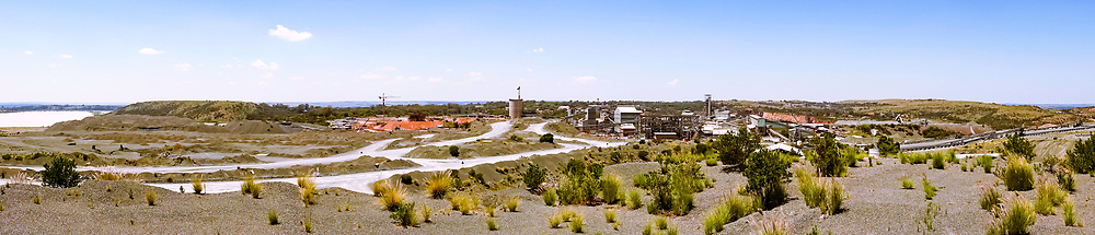 13-02-2016 -  Foto Cullinan diamantmijn: PANORAMA. Genomen tijdens tour bij Petra Cullinan Diamantmijn in Cullinan, Zuid-Afrika.