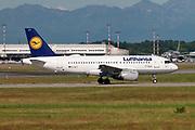 Lufthansa, Airbus A319-114 ready for takeoff