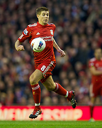 22.10.2011, Anfield Stadion, Liverpool, ENG, PL, FC Liverpool - Norwich City, im Bild Liverpool's captain Steven Gerrard MBE in action against Norwich City during the Premiership match at Anfield // during the Premier League football match between FC Liverpool - Norwich City, at Anfield Stadium, Liverpool, United Kingdom on 22/10/2011. EXPA Pictures © 2011, PhotoCredit: EXPA/ Propaganda Photo/ David Rawcliff +++++ ATTENTION - OUT OF ENGLAND/GBR+++++