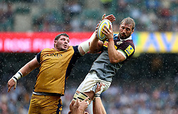 Chris Robshaw of Harlequins catches the ball from a line out - Mandatory by-line: Robbie Stephenson/JMP - 03/09/2016 - RUGBY - Twickenham - London, England - Harlequins v Bristol Rugby - Aviva Premiership London Double Header