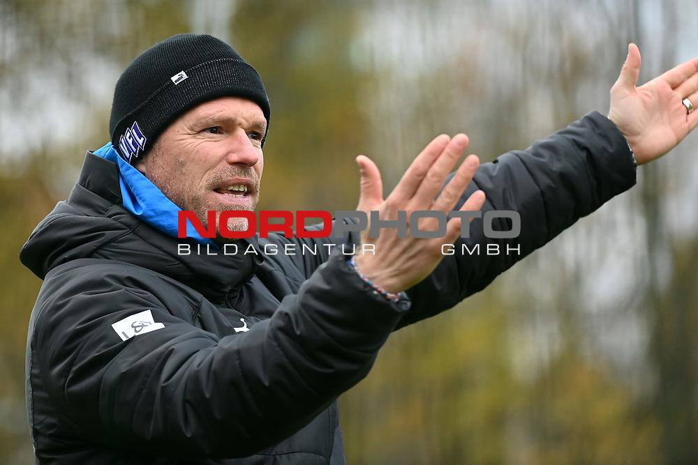 19.11.2020, Sportpark Illoshöhe, Osnabrück, GER, 2. FBL, Training VfL Osnabrück <br /> <br /> im Bild<br /> Trainer Marco Grote (VfL Osnabrück)<br /> <br /> Foto © nordphoto / Paetzel