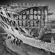 Peter Iredale Shipwreck (B/W)