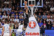 DESCRIZIONE : Campionato 2014/15 Dinamo Banco di Sardegna Sassari - Dolomiti Energia Aquila Trento Playoff Quarti di Finale Gara4<br /> GIOCATORE : Josh Owens<br /> CATEGORIA : Schiacciata Controcampo<br /> SQUADRA : Dolomiti Energia Aquila Trento<br /> EVENTO : LegaBasket Serie A Beko 2014/2015 Playoff Quarti di Finale Gara4<br /> GARA : Dinamo Banco di Sardegna Sassari - Dolomiti Energia Aquila Trento Gara4<br /> DATA : 24/05/2015<br /> SPORT : Pallacanestro <br /> AUTORE : Agenzia Ciamillo-Castoria/L.Canu