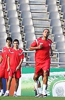 20100817: BRAGA, PORTUGAL - Sevilla FC training session before UEFA Champions League 2010/2011 Play-off match against SC Braga. In picture: Jesus Navas and Luis Fabiano. PHOTO: CITYFILES