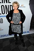 Premiere van de musical De Kleine Blonde Dood in de Koninklijke Schouwburg Den Haag.<br /> <br /> Op de foto:  Vera Mann
