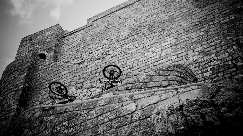 Rider: Jey Clementz and Fabien Barel <br /> Location: Sicily (Italia)