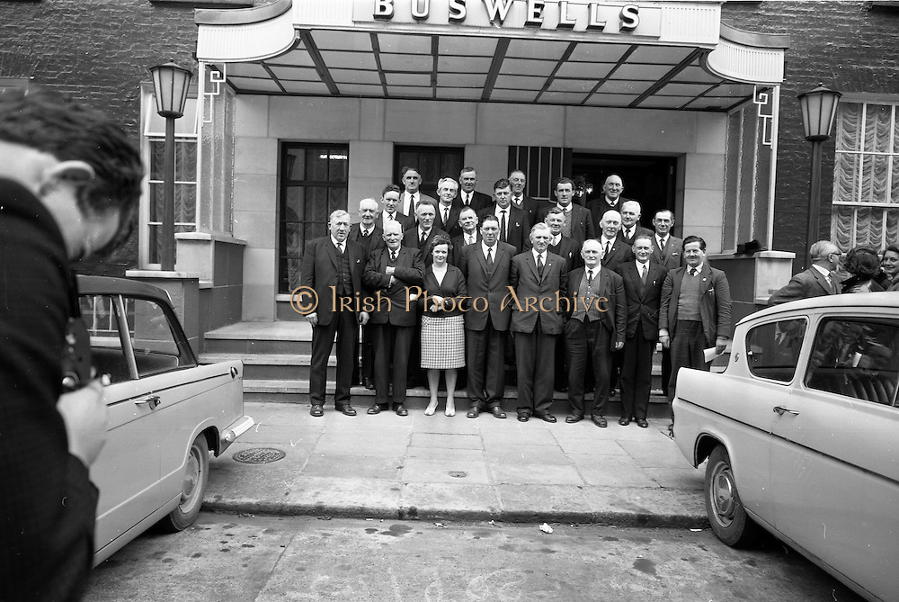 11/05/1965<br /> 05/11/1965<br /> 11 May 1965<br /> Irish Sugar Beet Growers Association Meeting at Buswells Hotel, Dublin. picture shows the Irish sugar Beet Growers Association Committee Group outside the hotel before the meeting.