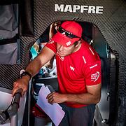 © Maria Muina I MAPFRE. Final preparations for the prologe race./ Últimos preparativos para la etapa prólogo.