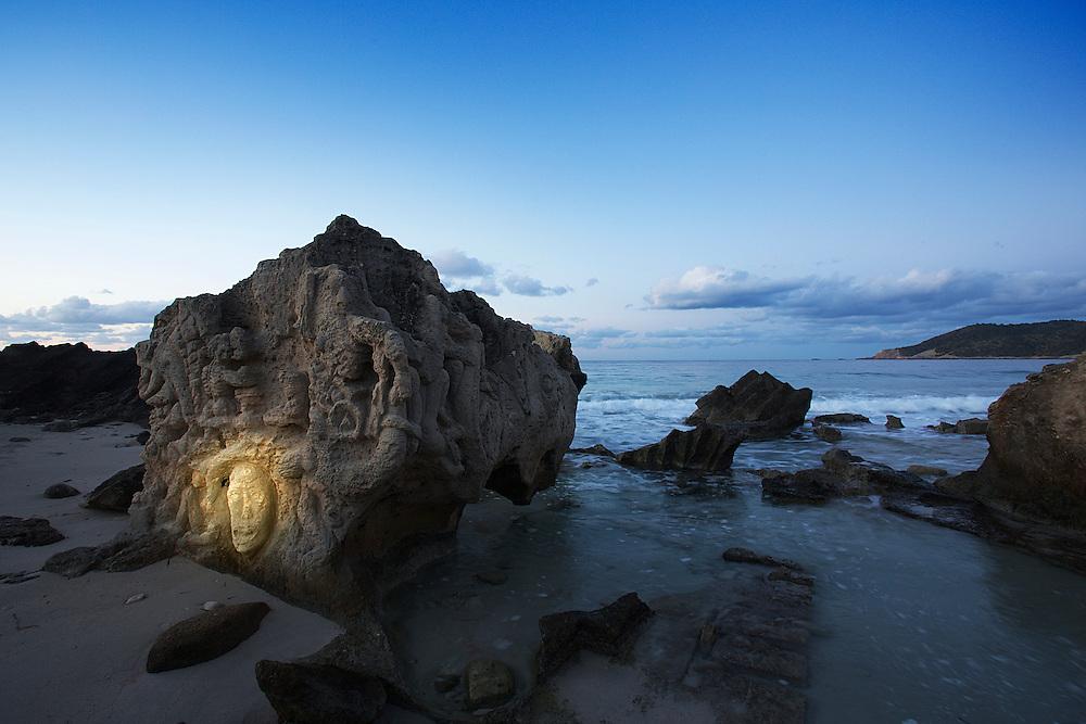 23/Enero/2015 Islas Baleares. Ibiza<br /> Figuras talladas en la roca en Ses Salines.<br /> <br /> © JOAN COSTA