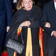 NLD/Utrecht/20130201 - Vertrek 75ste verjaardagfeest  Koninging Beatrix, prinses Christina en dhr. E. Bloem.