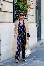 Street style, blogger Sara Escudero (Collage Vintage) arriving at Balmain Spring Summer 2017 show held at Hotel Potocki, in Paris, France, on September 29, 2016. Photo by Marie-Paola Bertrand-Hillion/ABACAPRESS.COM