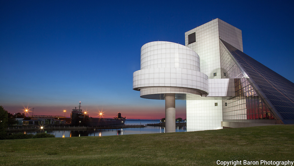 Rock and Roll Hall of Fame and Lake Erie and Inner Harbor, Cleveland, Ohio