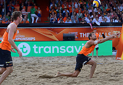 20150705 NED: WK Beachvolleybal day 10, Den Haag<br /> Reinder Nummerdor #1 en Christiaan Varenhorst #2 zijn er niet in geslaagd de finale van de WK beachvolleybal te winnen. In de finale waren de Brazilianen met 2-1 te sterk.