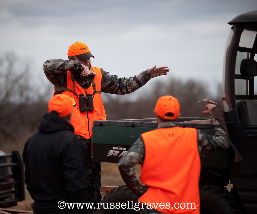 HUNTER TELLING A STPRY OF A HUNT