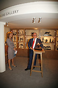 Nona Horswell and Gerry Farrell, Sladmore Gallery. The opening  day of the Grosvenor House Art and Antiques Fair.  Grosvenor House. Park Lane. London. 14 June 2006. ONE TIME USE ONLY - DO NOT ARCHIVE  © Copyright Photograph by Dafydd Jones 66 Stockwell Park Rd. London SW9 0DA Tel 020 7733 0108 www.dafjones.com