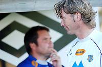 Trener Ivar Morten Normark, Aalesund, med Jan Erik Sørnes, Aalesund, i bakgrunnen. <br /> <br /> Fotball: Kongsvinger - Aalesund 2-2 (5-2 e. straffer). NM 2004 herrer, 3. runde. 8. juni 2004. (Foto: Peter Tubaas/Digitalsport.