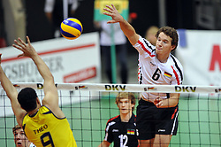 17.09.2010, Arena Ludwigsburg, Ludwigsburg, GER, Vorbereitung Volleyball WM 2010, Laenderspiel Deutschland ( GER ) vs. Brasilien ( BRA ) 3:2, im Bild Theo Fabricio Nery Lopes (#9 BRA) - Denis Kaliberda (#6 GER / Haching GER). EXPA Pictures © 2010, PhotoCredit: EXPA/ nph/   Conny Kurth+++++ ATTENTION - OUT OF GER +++++