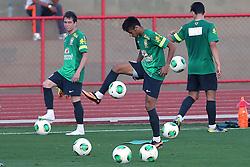 Neymar durante treino da Seleção Brasileira no Centro de Capacitação Física do Corpo de Bombeiros, em Brasília, DF. A seleção enfrenta o Japão no próximo dia 15 na abertura da Copa das Confederações. FOTO: Jefferson Bernardes/Preview.com