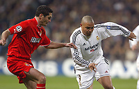 24/3/2004 Madrid, Spain.<br />Champions League. 1/4 Finals, 1 Leg.<br />R.Madrid 4 - AS Monaco 2<br />R.Madrid's  Ronaldo in duel against Monaco's Rodriguez at Santiago Bernabeu's Stadium.<br />© 2004 Alejandro leon Fernandez
