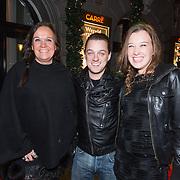 NLD/Amsterdam/20131219 - Premiere Kerstcircus 2013 Carre, Xandra Brood en dochter Lola en partner