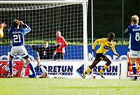 Fotball<br /> Adeccoligaen<br /> 25.05.2006<br /> Moss FK - Hødd<br /> <br /> Amin Askar har akkurat scoret etter en tabbe av Finn Erik Stavseng (21) som fortviler sammen med en liggende keeper Kim Deinoff<br /> <br /> Foto: Kasper Wikestad - Digitalsport