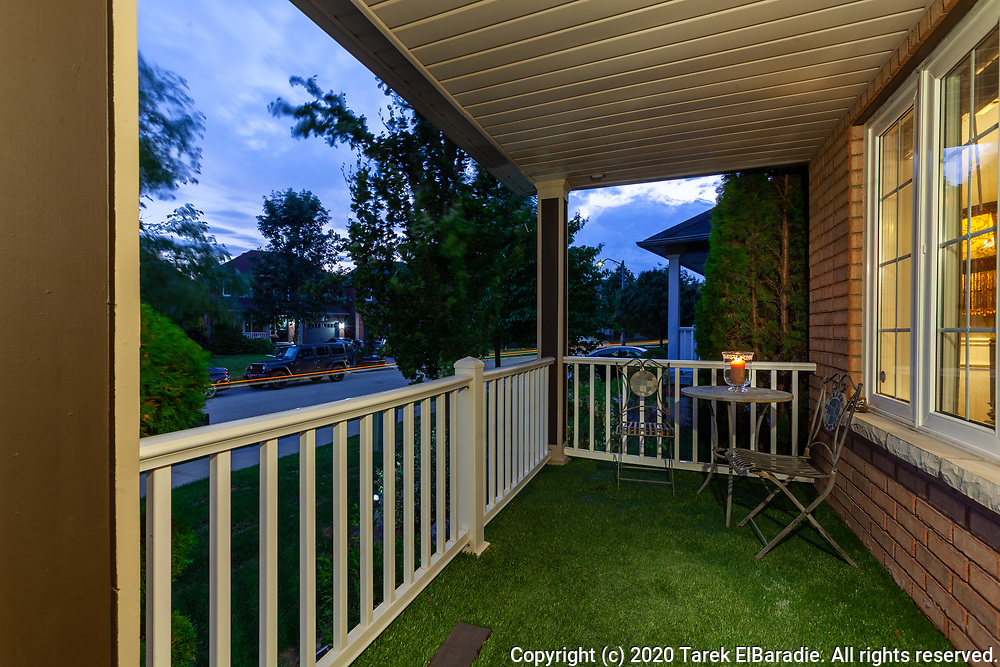 2223 Briargrove Circle, Oakville | Real Estate Photography