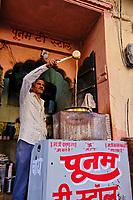 Inde, Rajasthan, Jodhpur la ville bleue, boutique de thé // India, Rajasthan, Jodhpur, the blue city, tea stand