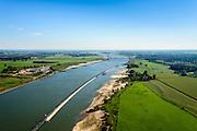 Nederland, Gelderland, Tiel, 30-09-2015; rivier de Waal, aanleg langsdammen en kribverlaging. Door de Ruimte voor de Rivier-maatregelen wordt het water bij hoogwater sneller afgevoerd. <br /> The groynes are decreased in height and  longitudinal dams are build. This Room for the River program allows for high waters to be drained more quiclky.<br /> <br /> luchtfoto (toeslag op standard tarieven);<br /> aerial photo (additional fee required);<br /> copyright foto/photo Siebe Swart