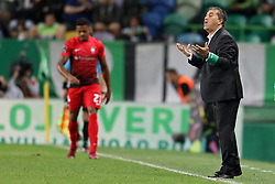 September 29, 2018 - Lisbon, Portugal, Portugal - José Peseiro of Sporting CP in action during the League NOS 2018/19 football match between Sporting CP vs Marítimo. (Credit Image: © David Martins/SOPA Images via ZUMA Wire)