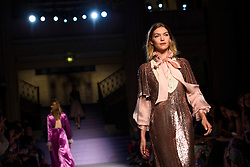 Model Arizona Muse on the catwalk during the Temperley Autumn/Winter 2017 London Fashion Week show at Banking Hall, London. PRESS ASSOCIATION Photo. Picture date: Sunday February 19th, 2017. Photo credit should read: Matt Crossick/PA Wire.