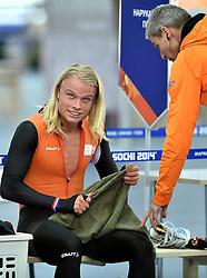 21-02-2014 SCHAATSEN: OLYMPIC GAMES: SOTSJI<br /> Halve finale team pursuit Nederland tegen Polen / Koen Verweij en Arie Koops<br /> ©2014-FotoHoogendoorn.nl